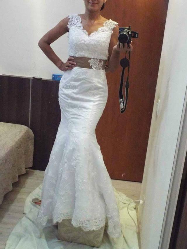 9be5c2f59d5 Elegantné svadobné šaty s mašľou