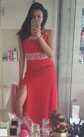 cb819df2862 Nádherné červené večerné šaty
