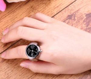 PRSTEŇOVÉ HODINKY NA ALIXPRESS ––> http://pozri.link/Watch Už ste niekey videli podobné hodinky? Sú chutné čo poviete? Na výber máte tri rôzne farby. V tele kovovom tele hodiniek sa nachádza Quartz strojček. Veľkosť je univerzálna, vďaka naťahovaciemu remienku.  Ako sa vám páčia tieto chutné prsteňové hodinky na AliExpress milé dámy? :)   Pozri čo som našiel na Aliexpress #PRSTEŇOVÉ_HODINKY_NA_ALIXPRESS #POZRI_CO_SOM_NASIEL_NA_ALIEXPRESS #hodinky #prsteň #aliexpress #cute